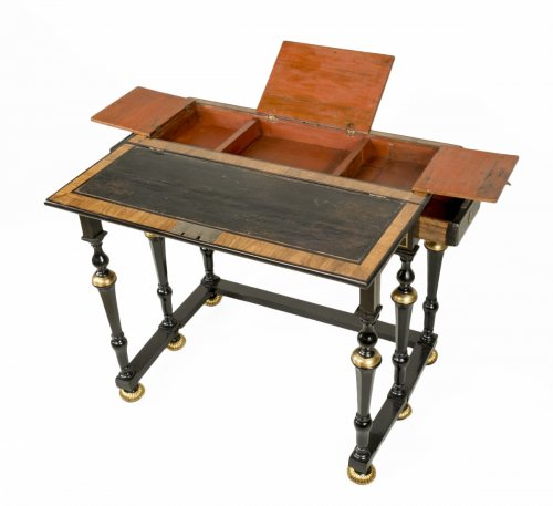 "Late 17th century ""table de changeur"""