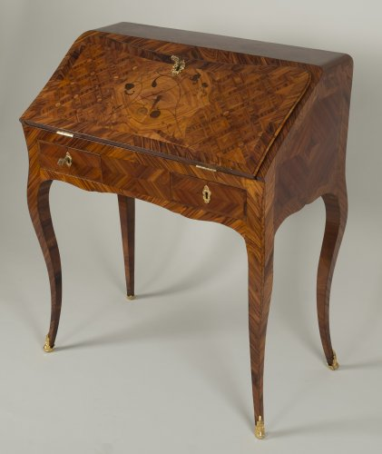 Louis XV Dos d'âne desk stamped I.C. Saunier - Furniture Style Louis XV