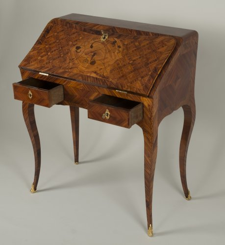 Furniture  - Louis XV Dos d'âne desk stamped I.C. Saunier