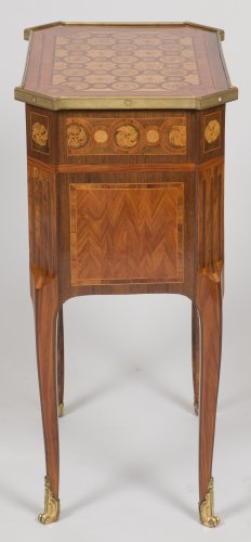 18th century - Writing table stamped RVLC