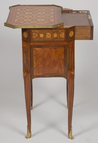 Writing table stamped RVLC - Transition