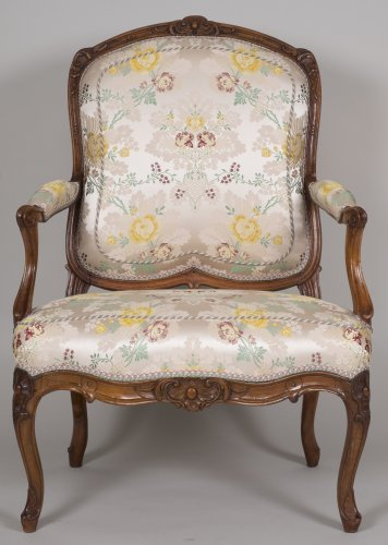 Pair of walnut armchairs stamped Tilliard - Seating Style Louis XV