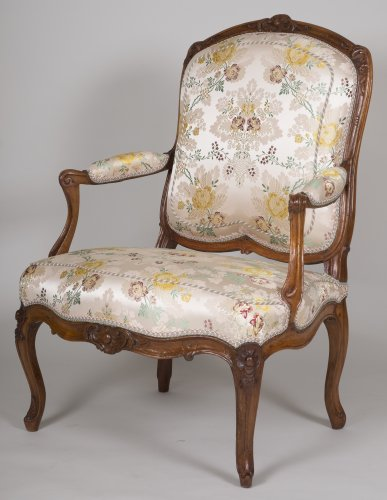 Pair of walnut armchairs stamped Tilliard - Louis XV