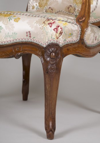 Louis XV - Pair of walnut armchairs stamped Tilliard
