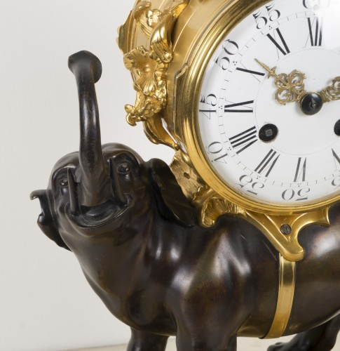 19th century - Elephant clock
