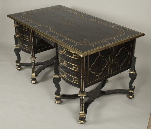 Antiquités - Large ebony Mazarin desk