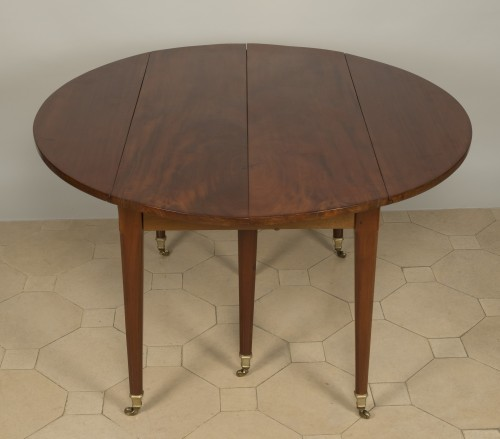 18th century - Louis XVI Table With Extensions