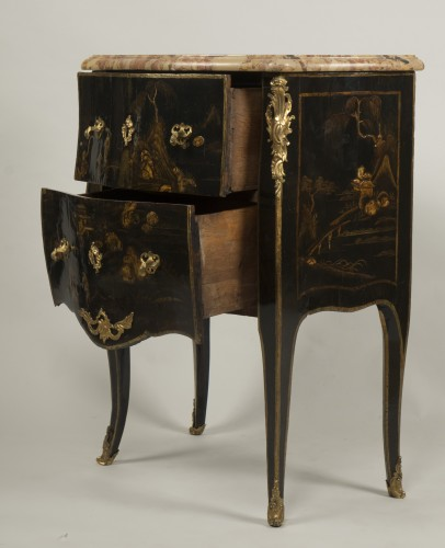 Small Louis XV Lacquer Commode stamped E.A.VEAUX -