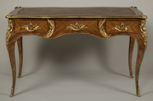 "Louis XV ""Bureau Plat"" stamped Reizell - Furniture Style Louis XV"