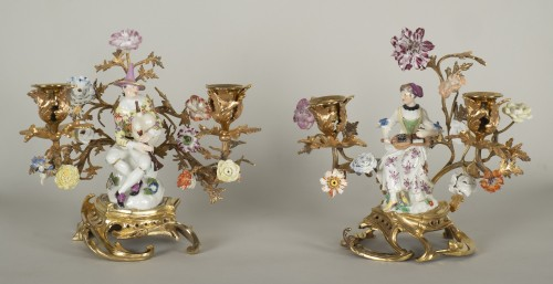 18th century - Pair of porcelain candlesticks