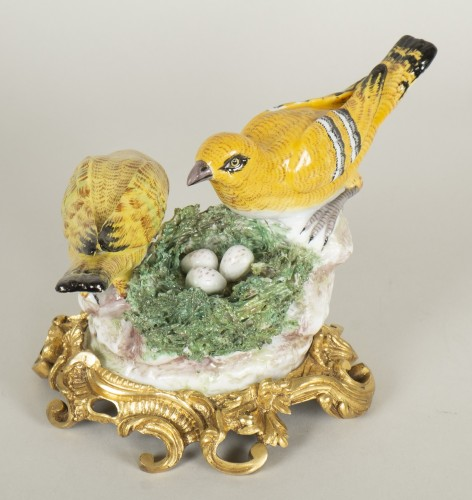 - Porcelain from Meissen birds at nest