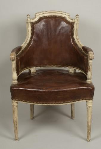 Louis XVI lacquered wood fauteuil de bureau stamped F.C.Menant - Seating Style Louis XVI