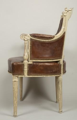 Louis XVI lacquered wood fauteuil de bureau stamped F.C.Menant - Louis XVI