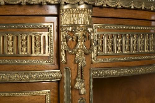 Furniture  - A Louis XVI commode à encoignures attributed to C.C. SAUNIER