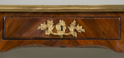 18th century - Satin wood desk attributed to Criaerd