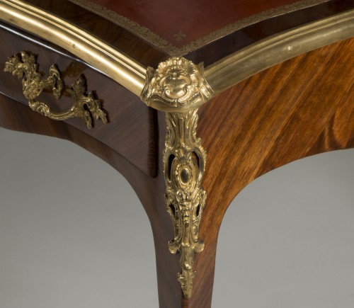Louis XV - Satin wood desk attributed to Criaerd