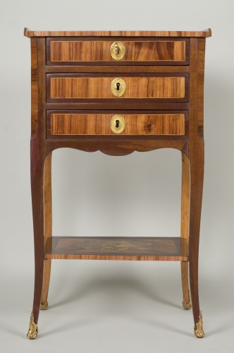 Chiffonnière table attributed to M. Ohneberg - Furniture Style Transition