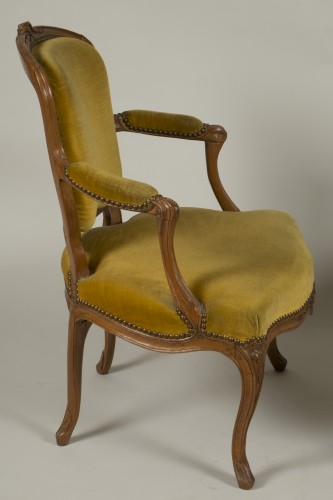 Antiquités - Pair of Louis XV armchairs