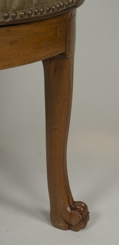 Spinning blond mahogany chair with leather -
