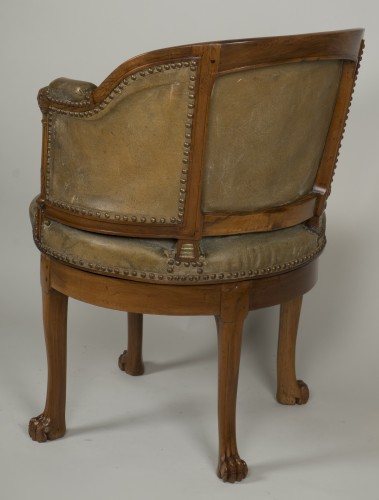 Antiquités - Spinning blond mahogany chair with leather