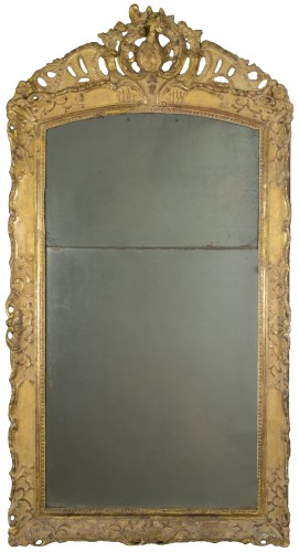 Gilt wood mirror, first half of the 18th century