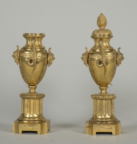 Pair of Louis XVI urn cassolettes - Decorative Objects Style Louis XVI