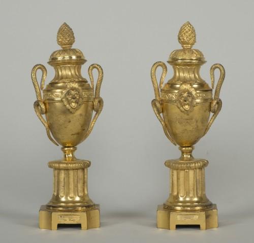 Pair of Louis XVI urn cassolettes - Louis XVI
