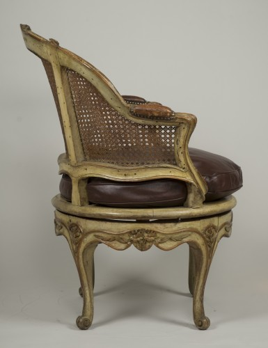 18th century - Carved and lacquered walnut spinning chair with cane attributed to Nogaret