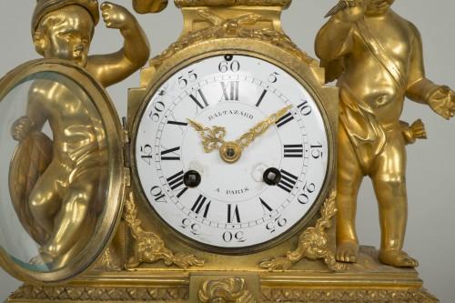 Antiquités - Louis XVI Small Clock