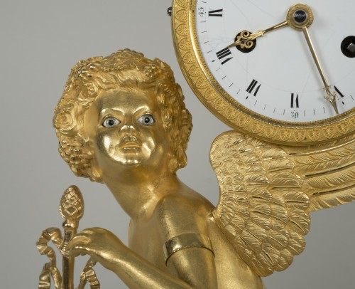 Restauration - Charles X - Gilt Bronze Clock depicting Cupid
