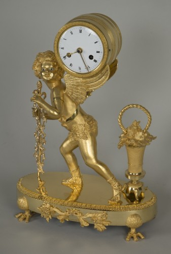 Antiquités - Gilt Bronze Clock depicting Cupid
