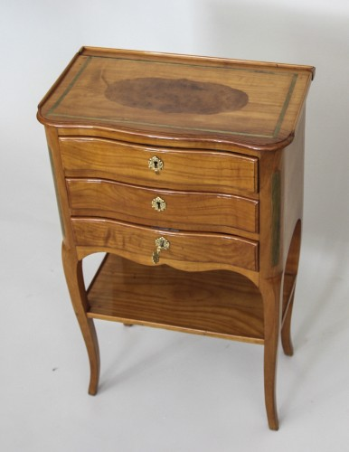 Table with screen stamped Hache Fils à Grenoble -