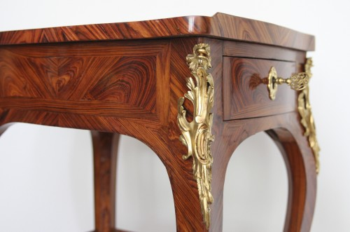 Table with screen stamped Migeon -
