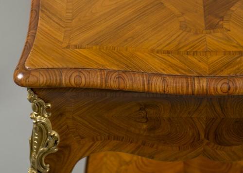 Small Louis XV Table de Salon - Furniture Style Louis XV
