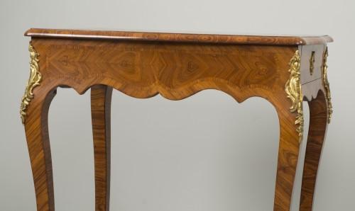 Antiquités - Small Louis XV Table de Salon