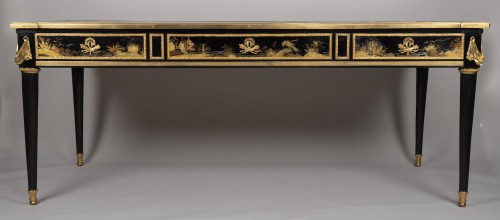 Great Desk with Japanese Lacquer attributed to Guillaume Beneman  - Furniture Style Louis XVI