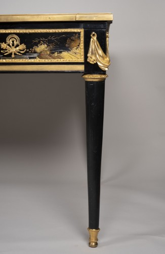 Great Desk with Japanese Lacquer attributed to Guillaume Beneman  - Louis XVI