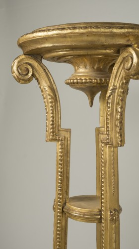 Antiquités - Pair of giltwood and stucco stands
