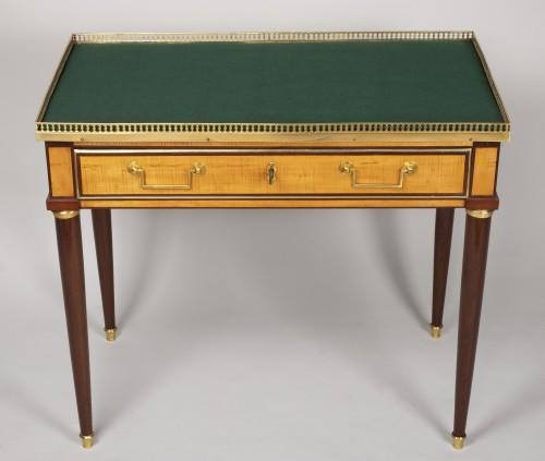 Louis XVI amaranth and lemon tree desk -