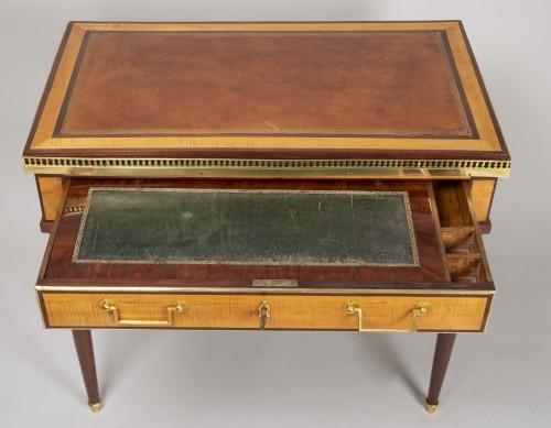 18th century - Louis XVI amaranth and lemon tree desk