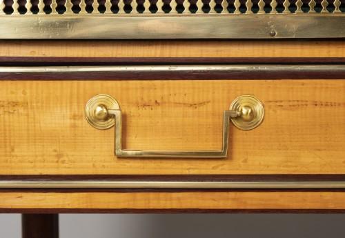 Antiquités - Louis XVI amaranth and lemon tree desk