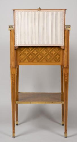 Small Table with 3 drawers stamped G.DESTER - Louis XVI
