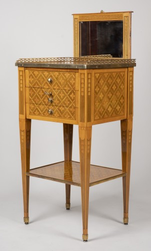Antiquités - Small Table with 3 drawers stamped G.DESTER