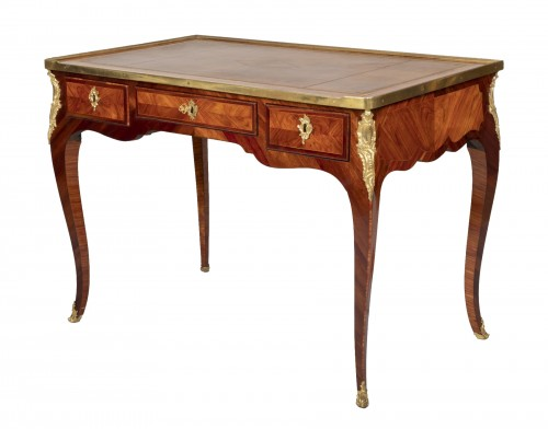 Small Louis XV desk attributed to Genty