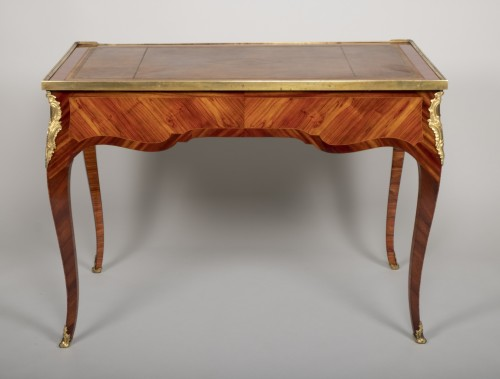 Furniture  -  Small Louis XV desk attributed to Genty