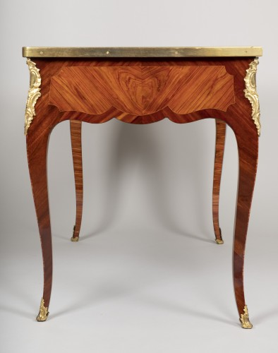 18th century -  Small Louis XV desk attributed to Genty