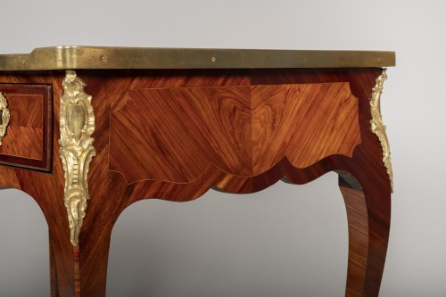 Louis XV -  Small Louis XV desk attributed to Genty