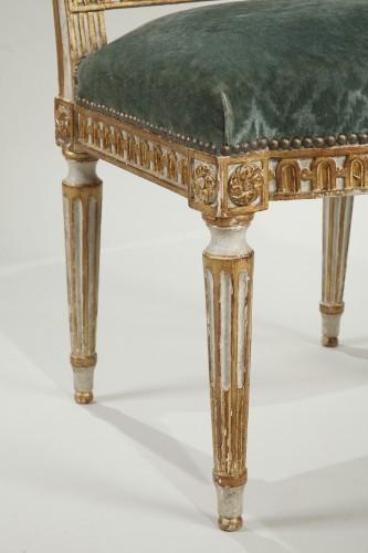 Antiquités - 12 Louis XVI style chairs