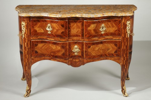 Furniture  - Sauteuse commode from french Régence period