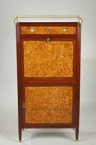 Small Louis XVI Secrétaire  - Furniture Style Louis XVI